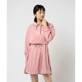 プーマ(PUMA)のPUMA プーマ CHASE ウィメンズ フーデッドドレス(ひざ丈ワンピース)