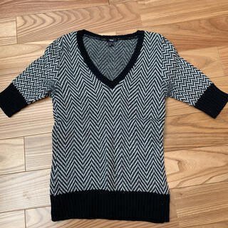 マンゴ(MANGO)のMANGO  Vネック半袖ニット Sサイズ(ニット/セーター)