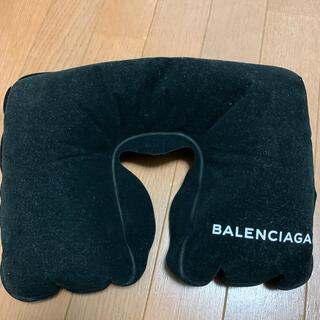 バレンシアガ(Balenciaga)のBALENCIAGA 【バレンシアガ】コレット 旅行用 枕(その他)