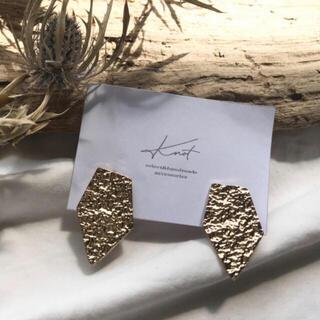 マウジー(moussy)のpentagon earrings-gold-(イヤリング)