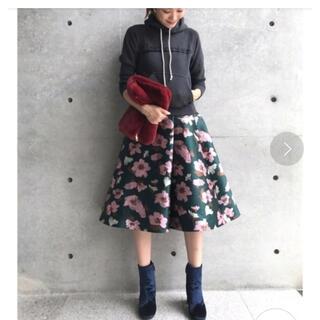 アクアガール(aquagirl)のアクアガール★ジャカードフラワースカート★(ひざ丈スカート)