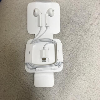 アップル(Apple)のiPhoneイヤホン純正(ヘッドフォン/イヤフォン)