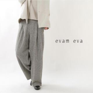 エヴァムエヴァ(evam eva)のevam eva/ wool wide tuck pants(カジュアルパンツ)