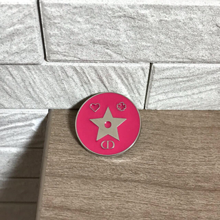 ディオール(Dior)のDior  ピンクピンバッチ (バッジ/ピンバッジ)