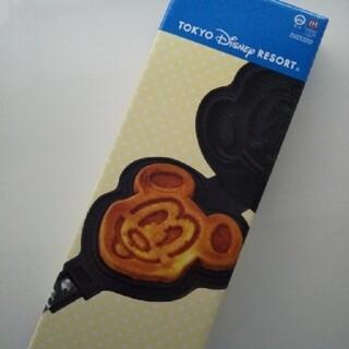 ディズニー(Disney)の新品未開封 ディズニーリゾート限定 ミッキー型 ワッフルメーカー(調理道具/製菓道具)