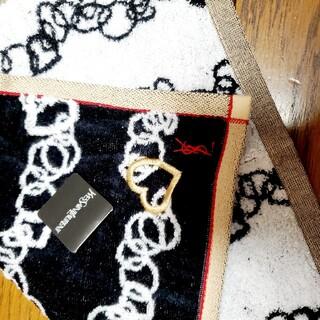 イヴサンローランボーテ(Yves Saint Laurent Beaute)の【新品未使用】イブサンローラン オシャレなタオルハンカチ(ハンカチ)