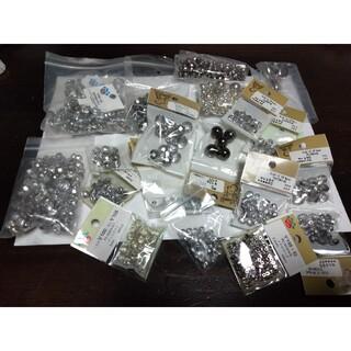 キワセイサクジョ(貴和製作所)のチェコビーズ&銅玉シルバー系・1300円(各種パーツ)