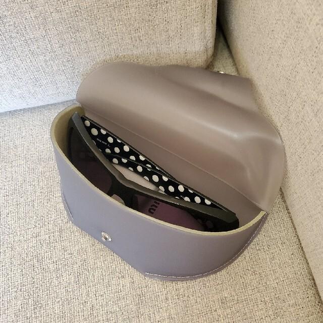 miumiu(ミュウミュウ)の新品未使用 miumiuミュウミュウ サングラス BLACK×WHITE DOT レディースのファッション小物(サングラス/メガネ)の商品写真