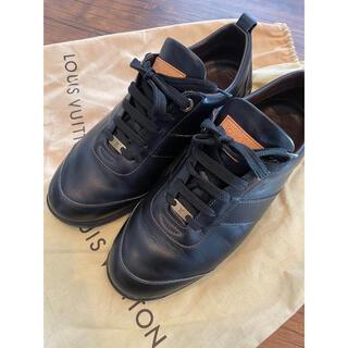 ルイヴィトン(LOUIS VUITTON)のルイヴィトン メンズ 25㎝ サイズ6 スニーカー LV ブラック 美品(スニーカー)
