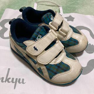 ファミリア(familiar)のファミリア 17 アシックス スニーカー 靴 チェック 青 定番 人気(スニーカー)
