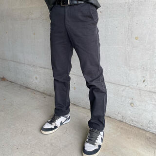 イッセイミヤケ(ISSEY MIYAKE)のISSEY MIYAKE fray embellished pants(スラックス)