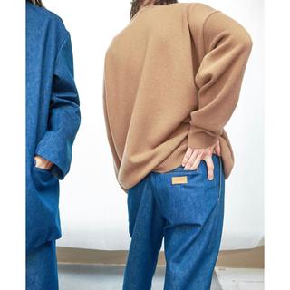 ワンエルディーケーセレクト(1LDK SELECT)の【cristaseya】denim pleated trouser (デニム/ジーンズ)