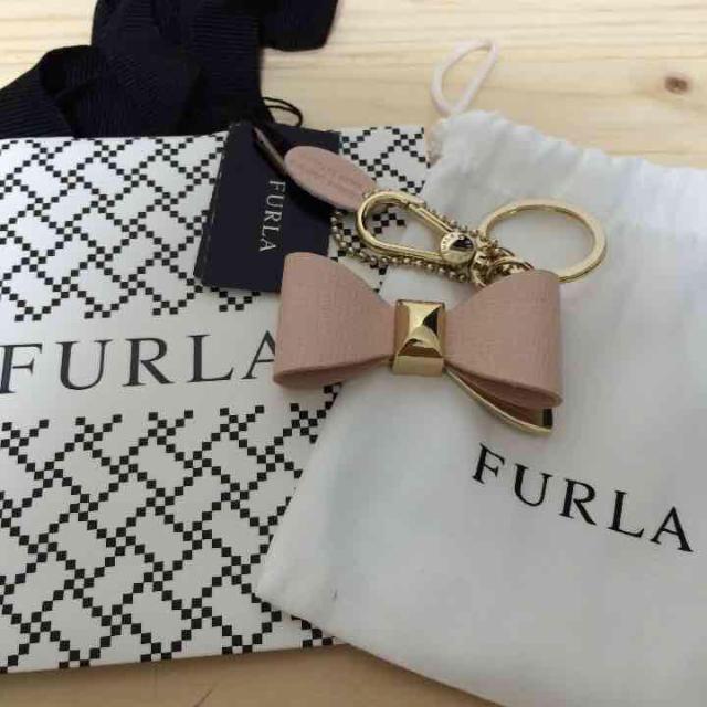 310a2c9ae79a Furla(フルラ)のフルラ♡未使用 リボンチャーム ピンク レディースのファッション小物