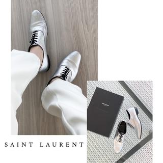 サンローラン(Saint Laurent)のSAINT LAURENT/シルバー/フラットシューズ(ローファー/革靴)