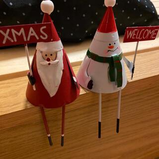 ニコアンド(niko and...)のウエルカムクリスマスサンタと雪だるま(置物)