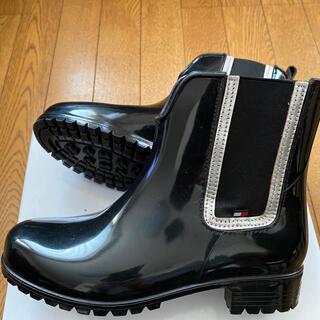トミーヒルフィガー(TOMMY HILFIGER)のTOMMY HlLFlGER/サイドゴアレインブーツ/ブラック色/2.3回着用(レインブーツ/長靴)