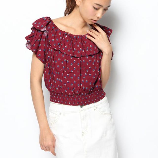 Kastane(カスタネ)のプリント衿フリルブラウス レディースのトップス(シャツ/ブラウス(半袖/袖なし))の商品写真