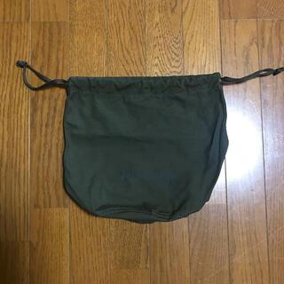 アパルトモンドゥーズィエムクラス(L'Appartement DEUXIEME CLASSE)のAmericana アメリカーナ 巾着ポーチ カーキ(ポーチ)