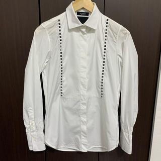 ヴァレンティノ(VALENTINO)のValentino ヴァレンティノ ロックスタッズ 白シャツ(シャツ/ブラウス(長袖/七分))