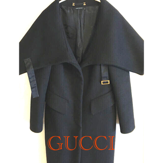 グッチ(Gucci)のGUCCI 極美品 艶ロングコート 黒 (ロングコート)