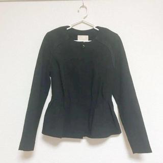 エイチアンドエム(H&M)のブラック ノーカラー デザイン ジャケット(ノーカラージャケット)