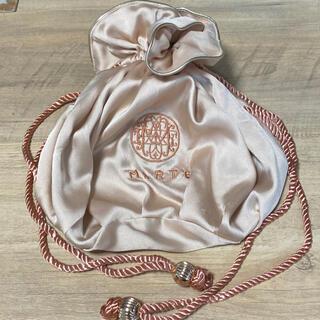 グリモワール(Grimoire)のmarte 巾着 サテンバッグ ロープ(ショルダーバッグ)