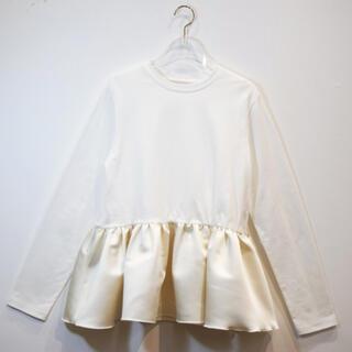 ハニーミーハニー(Honey mi Honey)のサテンペプラムロングTシャツ(Tシャツ(長袖/七分))