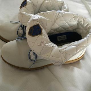 ティンバーランド(Timberland)の白ティンバー☆23.5(ローファー/革靴)