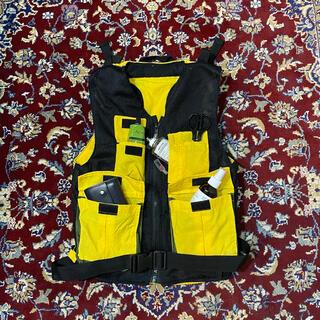 ストーンアイランド(STONE ISLAND)のUK VINTAGE technical backpack vest(ベスト)