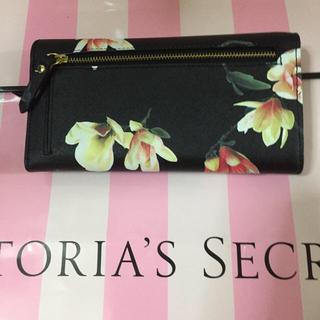 Victorias Secret(ヴィクトリアズシークレット)の新品 ヴィクトリアシークレット長財布 レディースのファッション