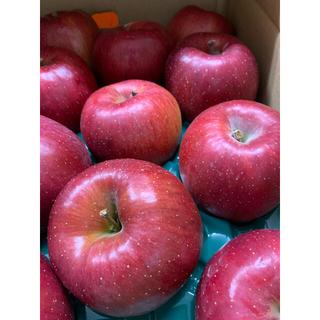 サンふじリンゴ 黒千寿 & バラ詰め10kg (フルーツ)