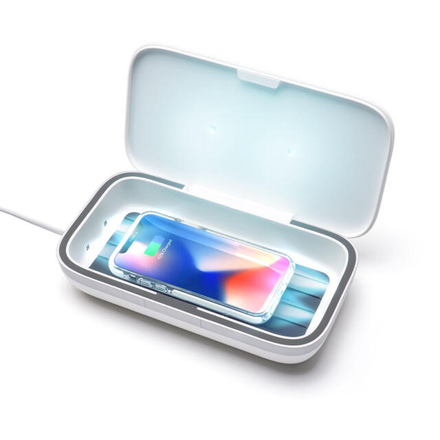 iPhone(アイフォーン)のcasetify スマホ 除菌 UVサニタイザー インテリア/住まい/日用品の日用品/生活雑貨/旅行(日用品/生活雑貨)の商品写真
