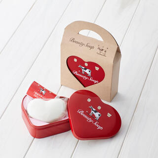 牛乳石鹸 - 牛乳石鹸 赤箱 ハート缶