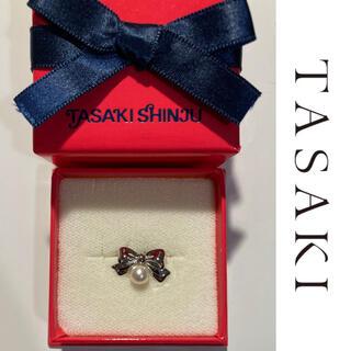 タサキ(TASAKI)のTASAKI SHINJU リボン 田崎真珠 新品 パール ブローチ ピンズ (ブローチ/コサージュ)