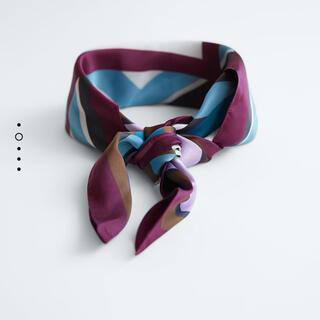 ザラ(ZARA)のZARA サテンスカーフ(バンダナ/スカーフ)
