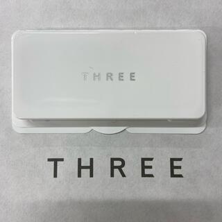 スリー(THREE)のTHREE スリー パウダーファンデーション サンプル(その他)