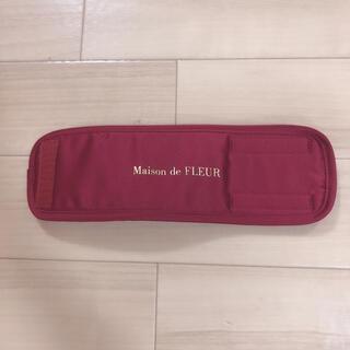 メゾンドフルール(Maison de FLEUR)のリボンビジューサテンカメラバッグの付属品?(ケース/バッグ)