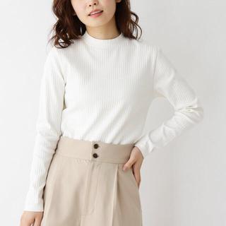 ユニクロ(UNIQLO)の新品未使用☆プチハイネックセーター(ニット/セーター)