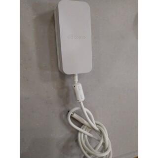 エヌティティドコモ(NTTdocomo)のDOCOMO充電器 ACアダプタ06(バッテリー/充電器)