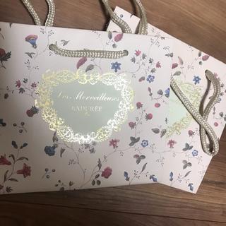 レメルヴェイユーズラデュレ(Les Merveilleuses LADUREE)のラデュレ 紙袋 2枚セット(ショップ袋)