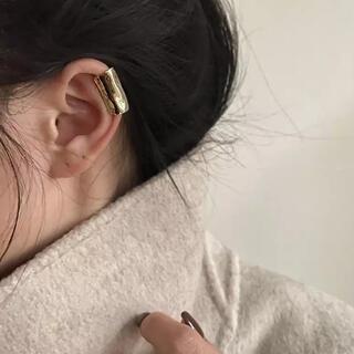 ハイク(HYKE)のlong ear cuff-gold-(イヤーカフ)