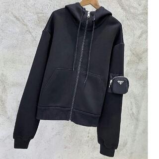 プラダ(PRADA)のPRADA テクニカルコットン スウェットシャツ  ポケット付きパーカー(パーカー)