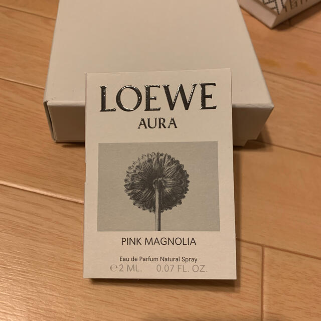 LOEWE(ロエベ)のLOEWEロエベ オードパルファンAURA 「ロエベ オーラ ピンク」 サンプル コスメ/美容の香水(香水(女性用))の商品写真