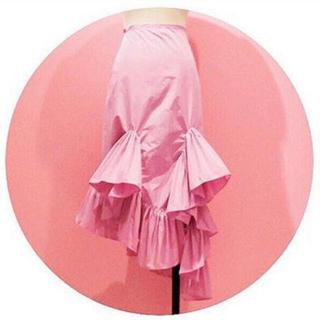 リルリリー(lilLilly)のlilLily ボリュームフリルナイロンスカート(値下げしました)(ひざ丈スカート)