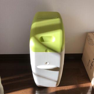アップリカ(Aprica)のアップリカ におわなくてポイ おむつ ゴミ箱(紙おむつ用ゴミ箱)
