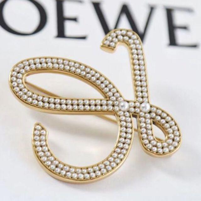 LOEWE(ロエベ)のLOEWE ブローチ レディースのアクセサリー(ブローチ/コサージュ)の商品写真