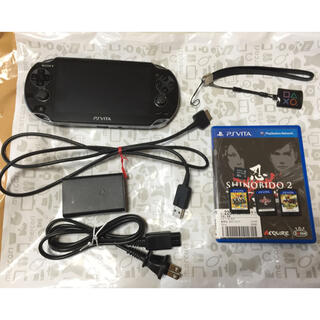 プレイステーションヴィータ(PlayStation Vita)の美品 PlayStation Vita 32GBメモリ P4G等 ソフト3本付(携帯用ゲーム機本体)