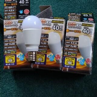 パナソニック(Panasonic)のLED電球 40W e17  電球色 調光対応 未使用に近い!(蛍光灯/電球)