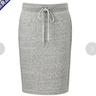 ユニクロ(UNIQLO)のスウェットスカート(ひざ丈スカート)