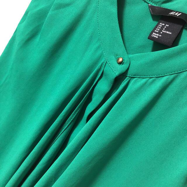 H&M(エイチアンドエム)の美品 H&M スタンドカラー ノースリーブ トップス ドレス 二次会 ディナー レディースのトップス(タンクトップ)の商品写真